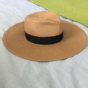 Eric Javits Daphne hat.  Worn once.  Retails $325